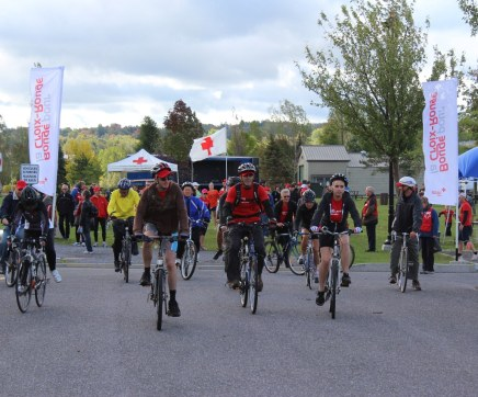 Cyclists take part in Red Cross fundraiser in Granby, Quebec