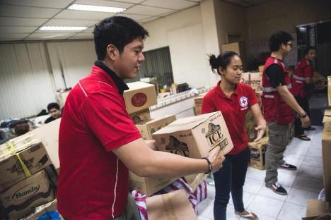 Philippine Red Cross volunteers mobilizing in Northern Cebu. Photo: Philippine Red Cross